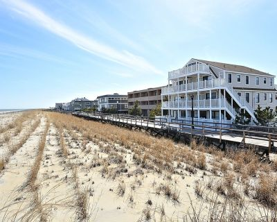Fully Renovated 2-bedroom Oceanfront Condo on Boardwalk With two Parking Spots - Bethany Beach