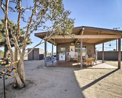 Cozy Cabin w/ Hot Tub, Fire Pit, BBQs & Hammocks! - Yucca Valley