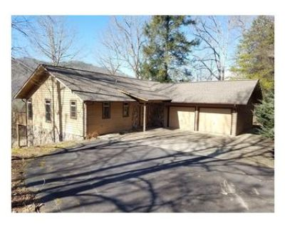 1 Bed 1.1 Bath Foreclosure Property in Whittier, NC 28789 - Mountain View Ter