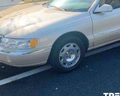 2001 Lincoln Continental Standard