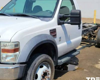 2008 Ford Super Duty F-450 Chassis Cab XL