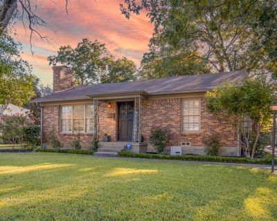 2733 Ryan Place Dr, Fort Worth, TX 76110