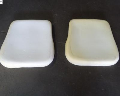 New Tmi Pair Of Front Seat Bottoms 68-72 T1