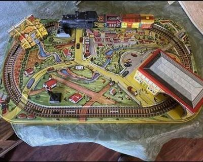 Marx Metal Wind Up Tin Lithograph Train Set And Lay Out