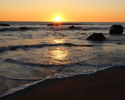 Comfy Neighborhood Ocean View Home, w/ Hot Tub--Just Steps to Beach (No Parties) - Cayucos