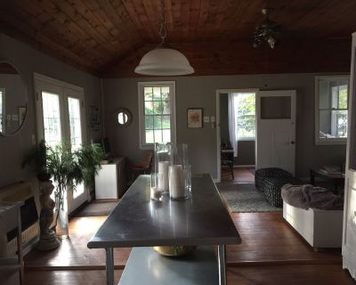 Secluded Charming Cottage in the Woods (Skiing, Casino, Relaxation) - Pocono Pines