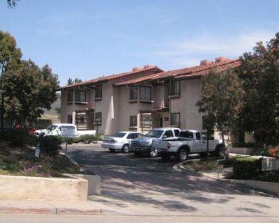 Private room with shared bathroom - San Luis Obispo , CA 93405