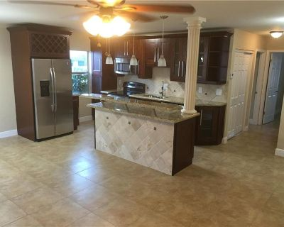 GREAT UNIT FOR RENT!! MUST SEE!! TOTALLY REMODELED, BRAND NEW DESIGNED KITCHEN CABINETS! By Highlight Realty