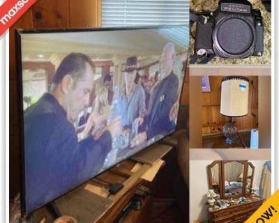 Lakewood Estate Sale Online Auction - Hedda Street