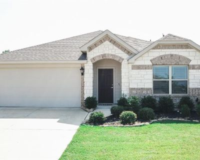 11917 Rustling Oaks Dr, Fort Worth, TX 76036