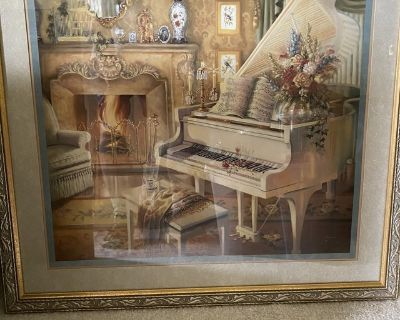 Piano living room picture