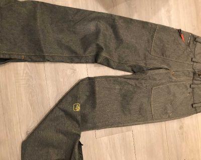 Volcom Snowboard pants- Men s S