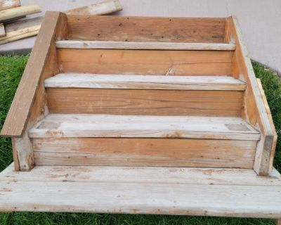 FREE deck stairs