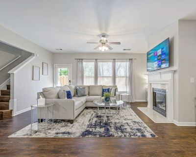 3 Bedroom Home Away From Home In A Super Kennesaw Location! - Kennesaw