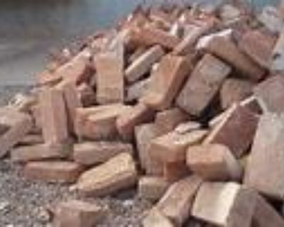 ISO - LARGE QUANTITY OF RED BRICKS- USED/RECLAIMED OR NEW