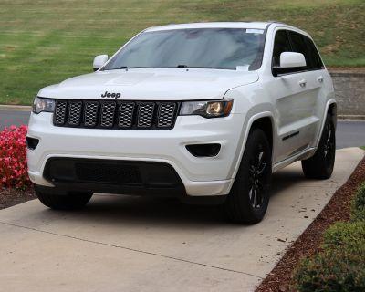 Pre-Owned 2020 Jeep Grand Cherokee Altitude RWD SUV