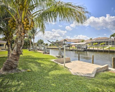 NEW! Bright Canalfront House w/ Boat Dock & Patio! - Yacht Club