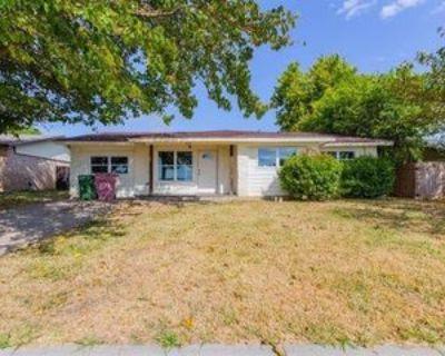 2309 Catalo Ln, Arlington, TX 76010 4 Bedroom Apartment