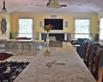 Spacious New Wellfleet Home on 1 1/2 acres ~ Steps to the bay ~ Walk to town - Wellfleet