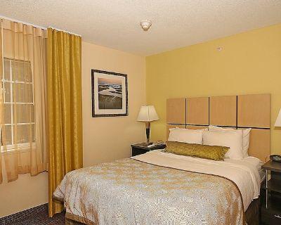 Candlewood Suites Newport News/Yorktown, an IHG Hotel - Central Newport News