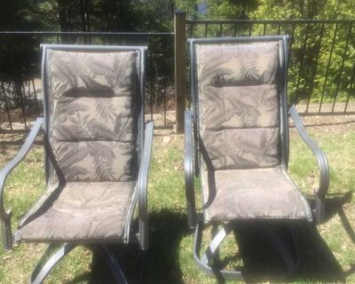 2 outdoors captain chairs