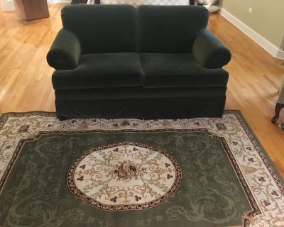ETHAN ALLEN LOVESEAT - Forest Green, Excellent condition, Barely used