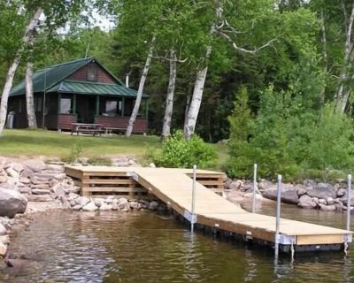 Mooseluck - All the privacy you could want at this simple Maine cabin on Mooselookmeguntic Lake - Rangeley Plantation