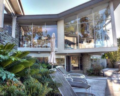House for Sale in Costa Mesa, California, Ref# 8586510