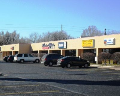 Maple Street Mini Mall Retail/Office Space for Lease