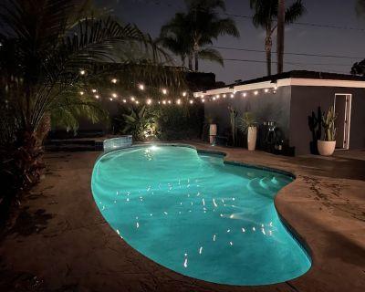 Pool & Jacuzzi, Quiet, Airy SPA Like Backyard, Near Newport Beach - Downtown Costa Mesa