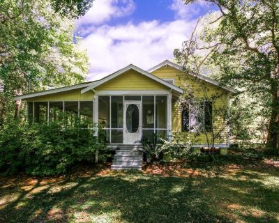 Cozy Cottage with Guest House, Gazebo and Deck - Abita Springs
