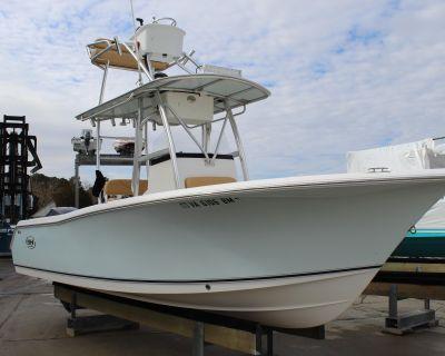 2008 Sea Hunt Triton 240