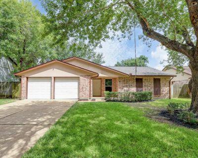 19334 Wood Village Lane, Houston, TX 77084