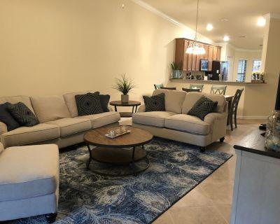 Beautiful Brand New 2nd Floor End unit Veranda home - Bonita Springs