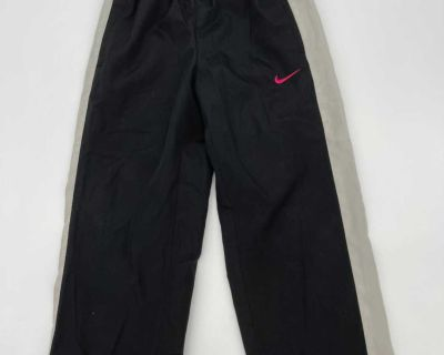 Nike Sports Active Gym Pants- Avery Nice Condition- Size 5- Nike symbol is in Pink!