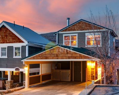 Great location in Park City! 5Br/Ba house