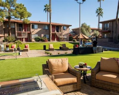 Fully Furnished Comfort of home! Private Entrances, perfect for working remotely. 139 - Scottsdale