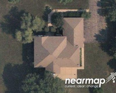 5 Bed 3.5 Bath Preforeclosure Property in Crystal Lake, IL 60014 - N Muirfield Dr