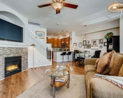 Luxury Three-Bedroom Townhouse - Northeast Colorado Springs