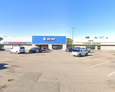 Retail Strip in Littleton CO with National Tenants