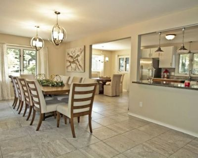 Amazing Lakefront Beauty Long term renters are welcome! - Central Newport News