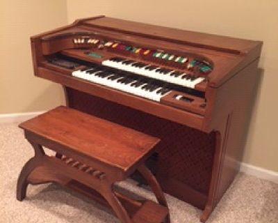 Lowrey Electric Organ w/ matching bench