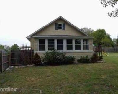 N Main St, Benton, IL 62812 2 Bedroom House