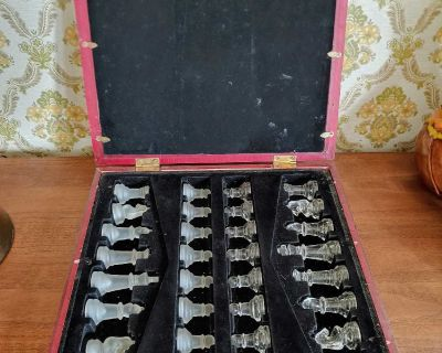 Glass chess Set in Wooden Case