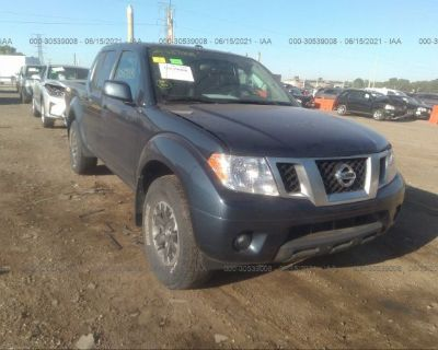 Salvage Blue 2018 Nissan Frontier