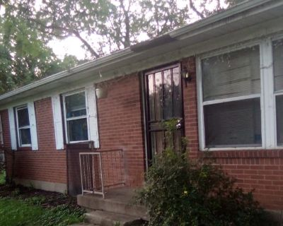 Private room with shared bathroom - Louisville , KY 40258