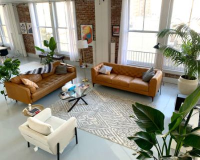 Historic Downtown Creative Loft with Multiple Backdrops and Beautiful Natural Light, Los Angeles, CA