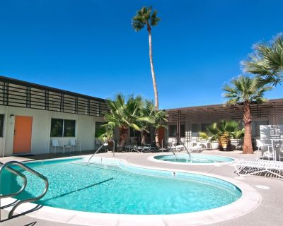 The Getaway #1: Pool, Mountain View, Kids/Pets welcome - Desert Hot Springs
