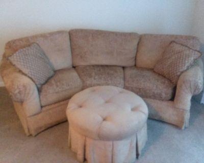 Soffa/Ottomon and Chair