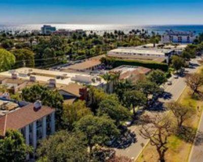 502 San Vicente Blvd #PH301, Santa Monica, CA 90402 3 Bedroom Condo